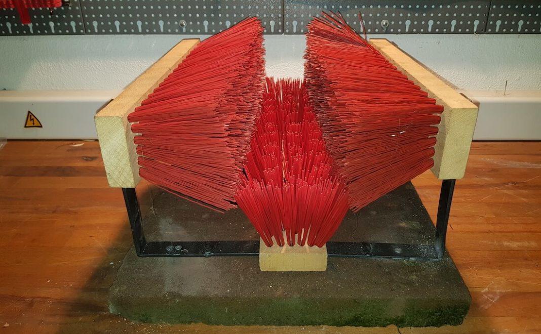 selbst gebauter Schuhputzer